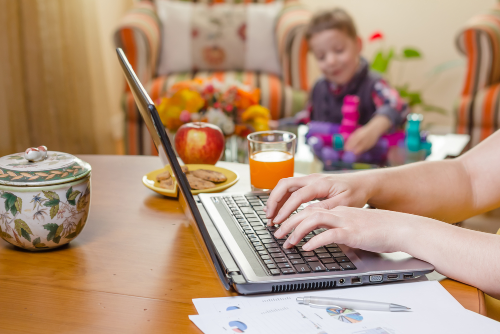 social media for moms